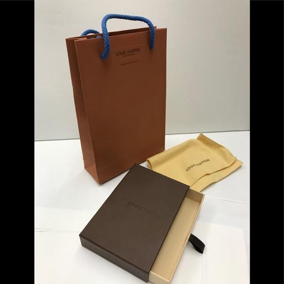 b9af421e5141 Louis Vuitton Other - Authentic Louis Vuitton Gift Box